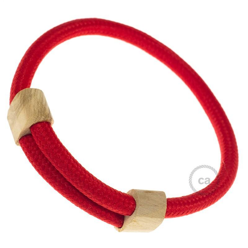 Creative-Bracelet in tessuto Effetto Seta Rosso RM09. Chiusura scorrevole in legno. Made in Italy.