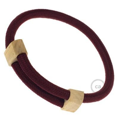 Creative-Bracelet in tessuto Effetto Seta Bordeaux RM19. Chiusura scorrevole in legno. Made in Italy.