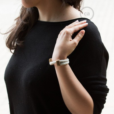 Creative-Bracelet in Lino Naturale Neutro RN01. Chiusura scorrevole in legno. Made in Italy.