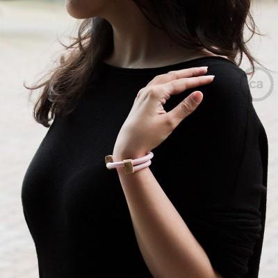 Creative-Bracelet in tessuto Effetto Seta Rosa Baby RM16. Chiusura scorrevole in legno. Made in Italy.