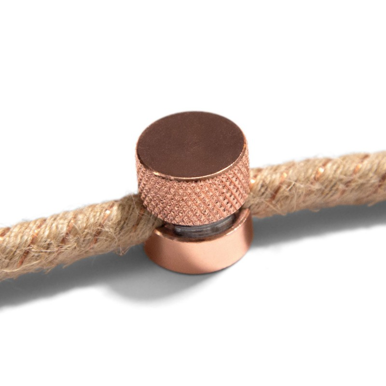 Sarè - Fissaggio a parete, passacavo in metallo per cavo tessile