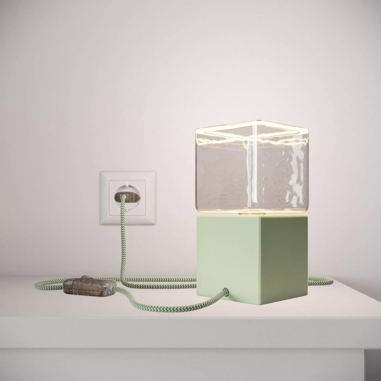 Posaluce Cubetto Color, lampada da tavolo in legno verniciato completa di cavo tessile, interruttore e spina a 2 poli
